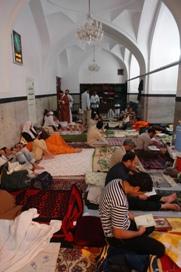 فضای کوچکی از یکی از شبستانهای مسجد جامع گوهرشاد